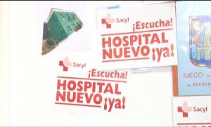 Pancartas a favor del nuevo hospital