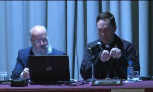 El obispo de Ciudad Rodrigo en un instante de la conferencia